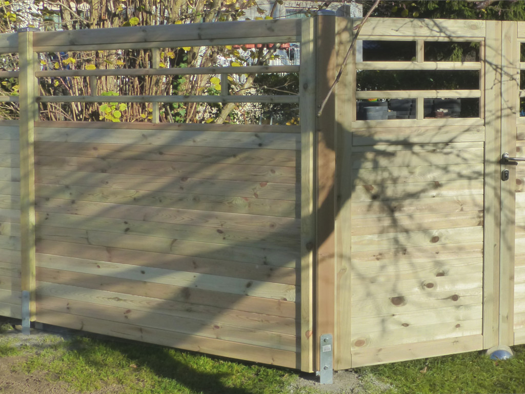 Lamellentur Aus Holz Fur Sichtschutzzaun Mit Zierelement Anna